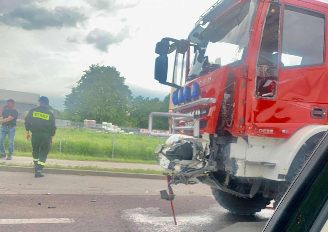 img 2008 Z ostatniej chwili: zderzenie z wozem strażackim (zdjęcia)