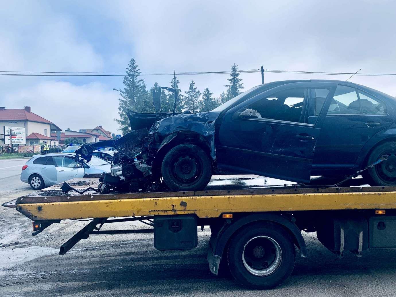 img 9467 Zderzenie Volkswagena z Renault zablokowało skrzyżowanie w Kalinowicach (ZDJĘCIA)