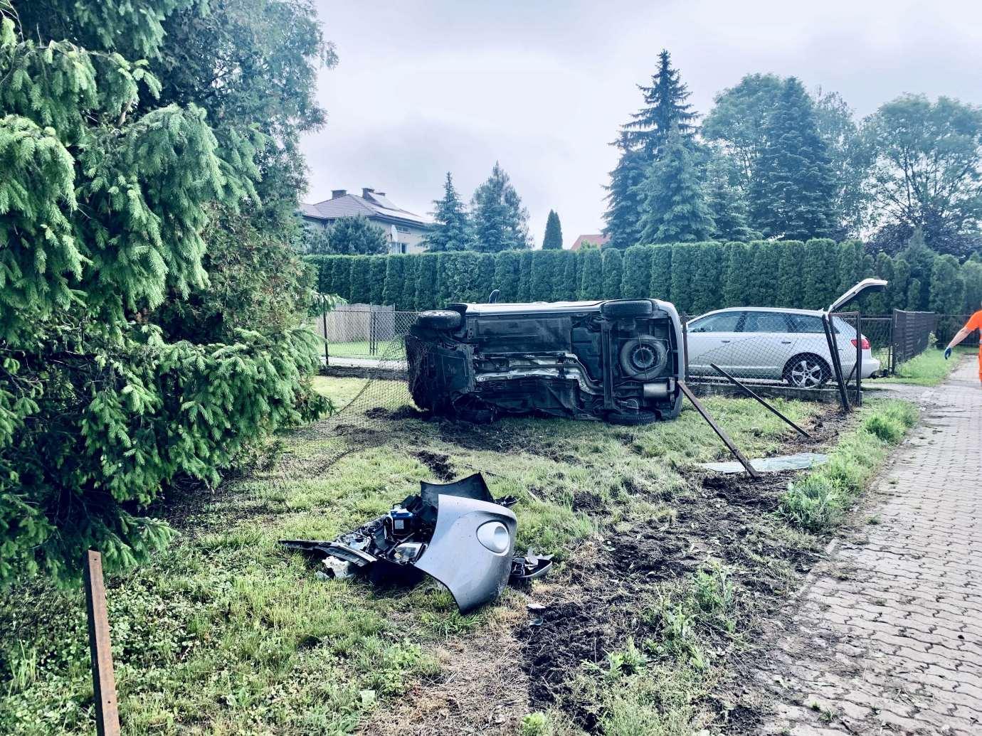 img 9471 Zderzenie Volkswagena z Renault zablokowało skrzyżowanie w Kalinowicach (ZDJĘCIA)