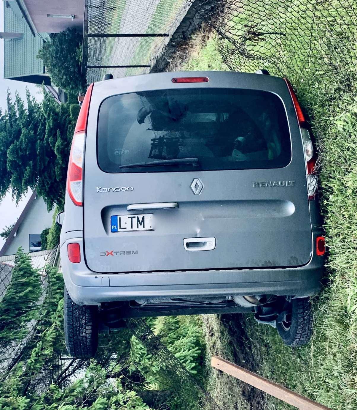 img 9472 2 Zderzenie Volkswagena z Renault zablokowało skrzyżowanie w Kalinowicach (ZDJĘCIA)