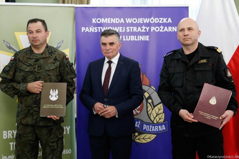 porozumienie 2 lbot kwpsp 2 Lubelscy Terytorialsi podpisali porozumienie o współpracy ze strażakami
