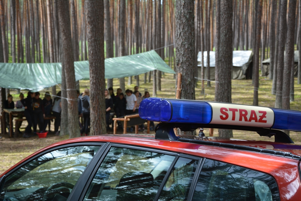 1 obac2b3z Zamojscy strażacy i policjanci wizytowali obóz harcerski