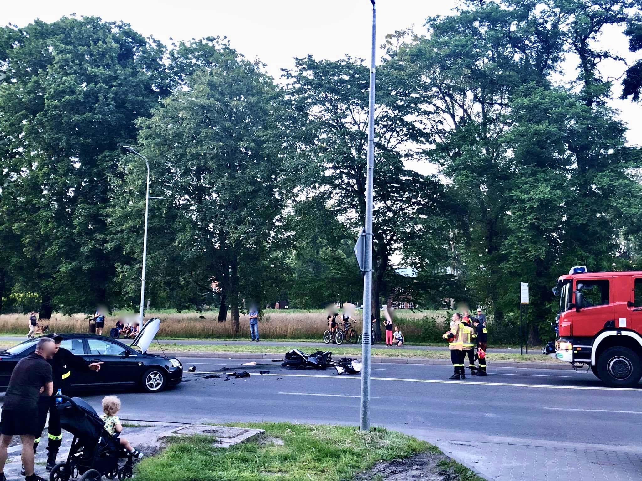 108226186 277558326813923 7896836987171994978 n Z ostatniej chwili. Niebezpieczny wypadek w centrum miasta (zdjęcia)