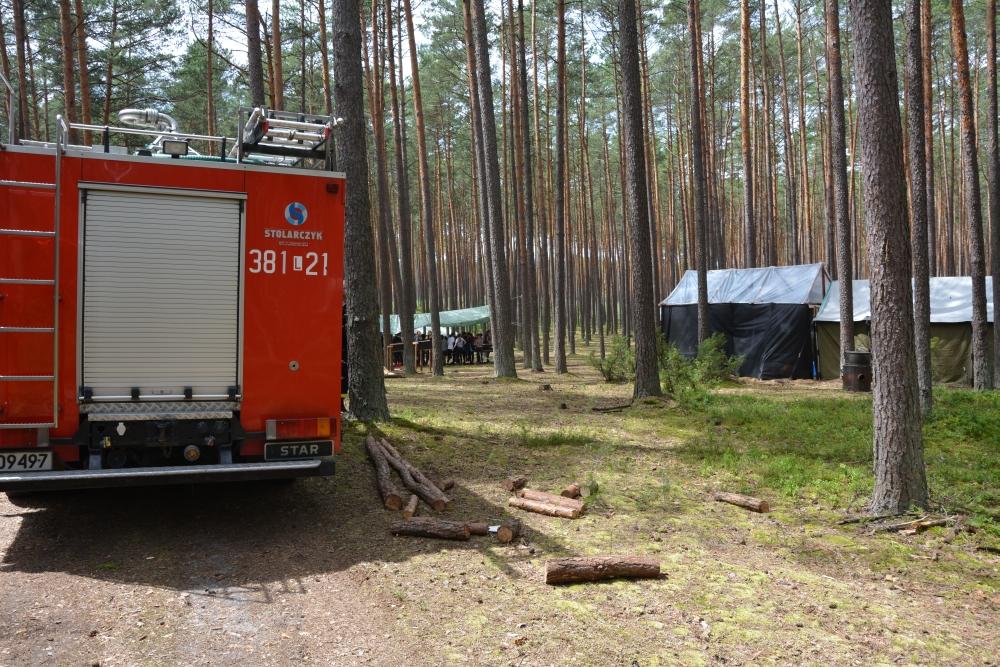 2 obac2b3z Zamojscy strażacy i policjanci wizytowali obóz harcerski