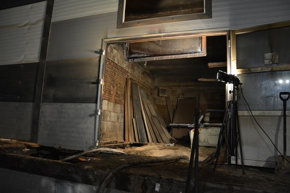 3 1 Pożar zakładu stolarsko-meblowego w Zamościu (zdjęcia)