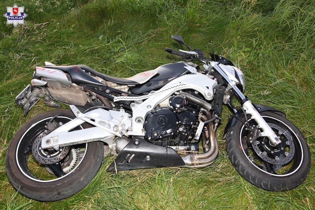 68 170569 Poważny wypadek. Ranny motocyklista trafił do szpitala