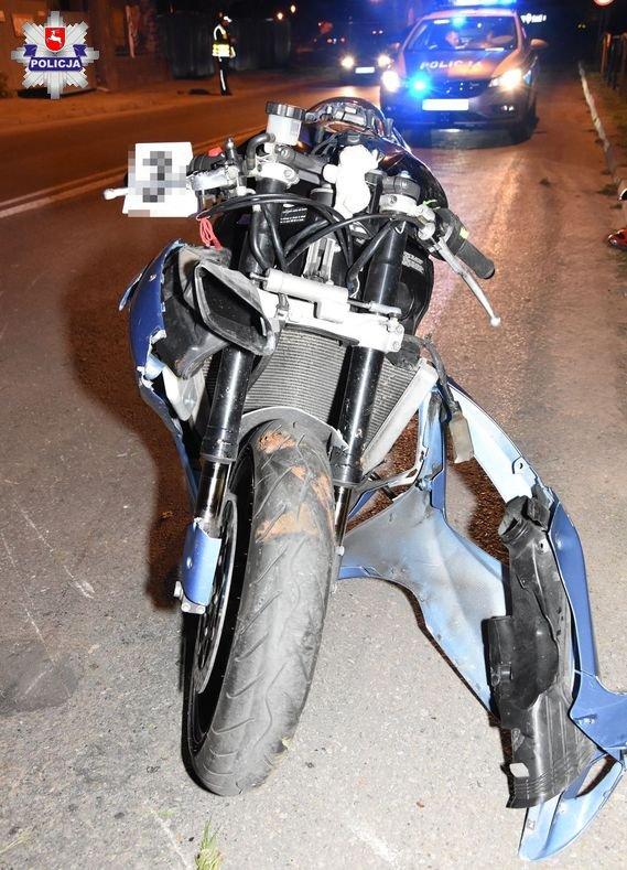 68 171227 Zamość: Motocyklem w metalową barierkę