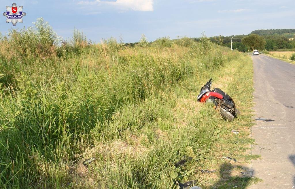 68 171265 Wypadek 17 - latka na motorowerze. Najprawdopodobniej był nietrzeźwy
