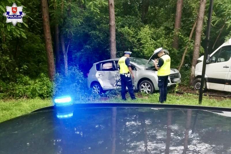 68 171373 Groźny wypadek na skrzyżowaniu. 6 osób w szpitalu.