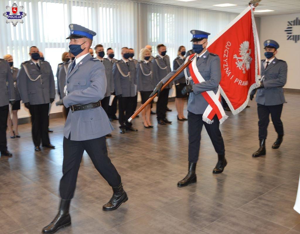 68 172021 Zamojskie obchody Święta Policji. Były awanse, podziękowania i uroczyste ślubowanie