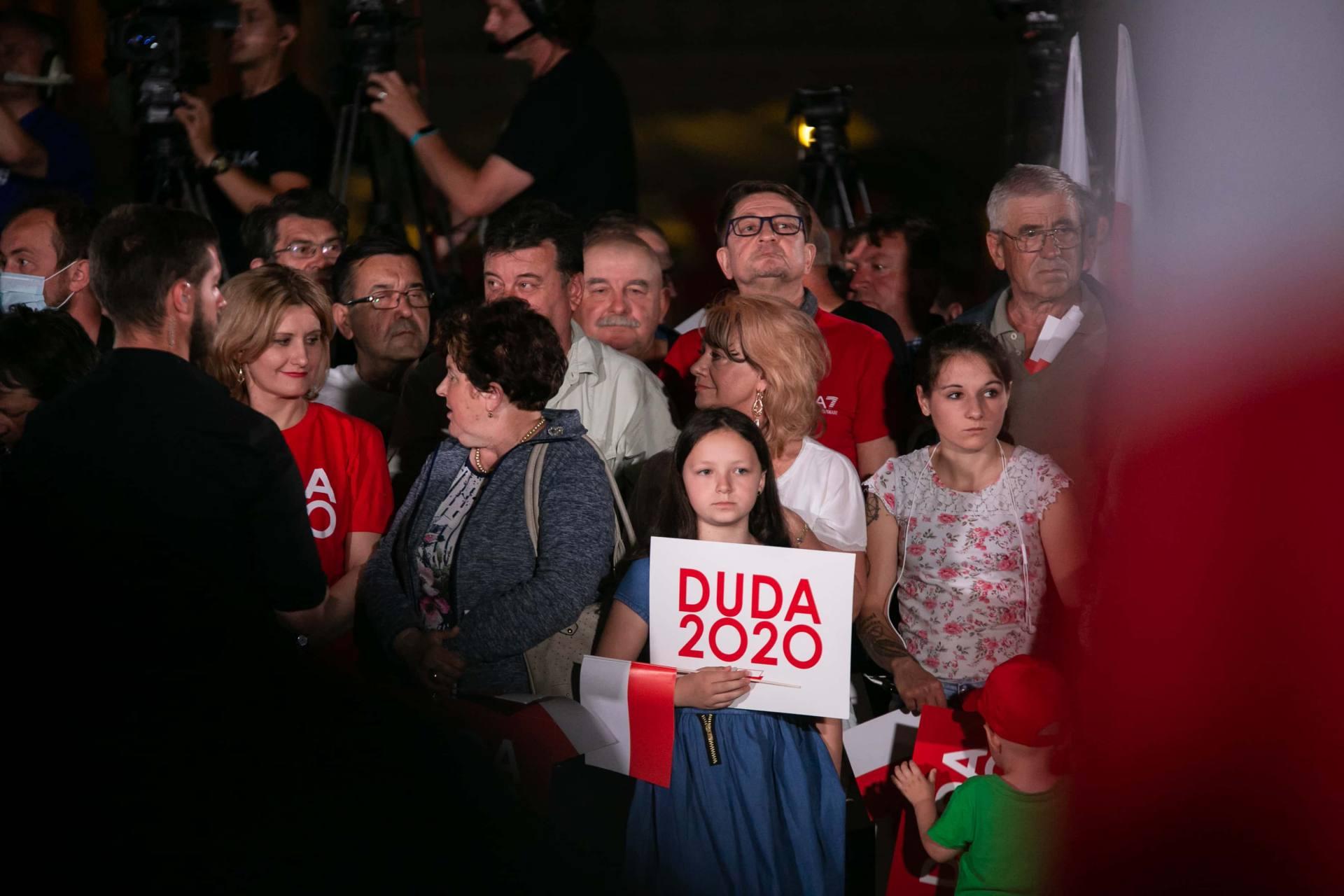 andrzej duda w zamosciu 13 Andrzej Duda prezydentem RP na drugą kadencję. PKW podała wyniki z prawie wszystkich komisji wyborczych.
