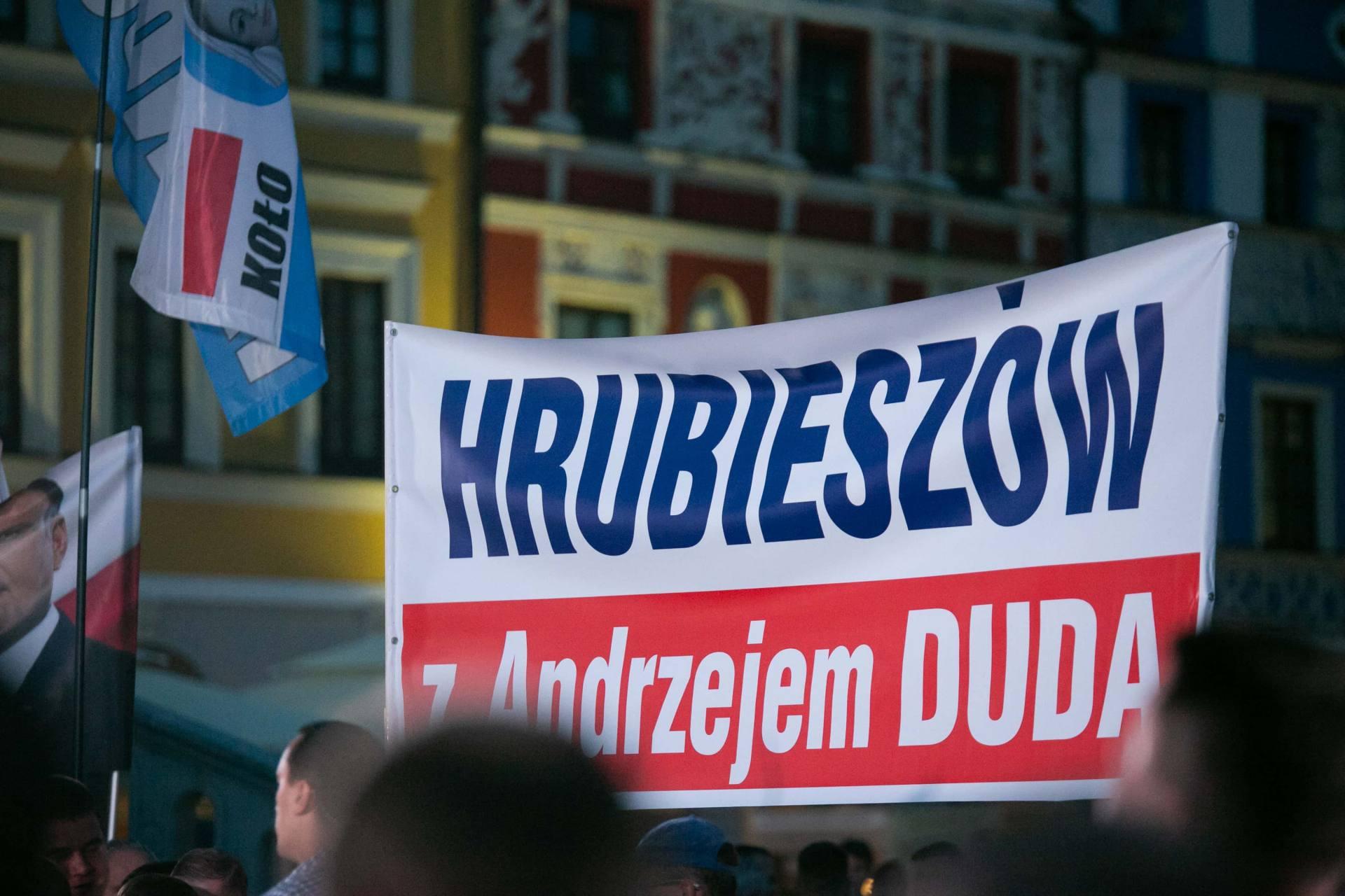 andrzej duda w zamosciu 3 Andrzej Duda prezydentem RP na drugą kadencję. PKW podała wyniki z prawie wszystkich komisji wyborczych.