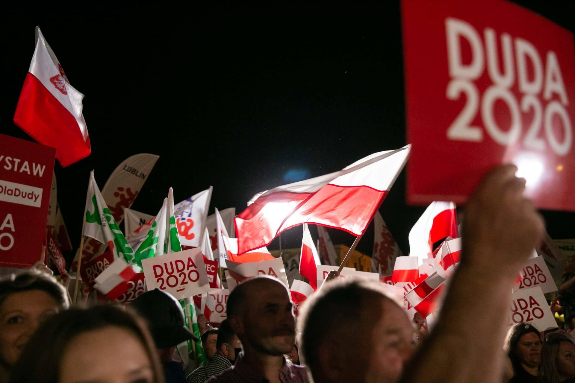 andrzej duda w zamosciu 32 Andrzej Duda prezydentem RP na drugą kadencję. PKW podała wyniki z prawie wszystkich komisji wyborczych.