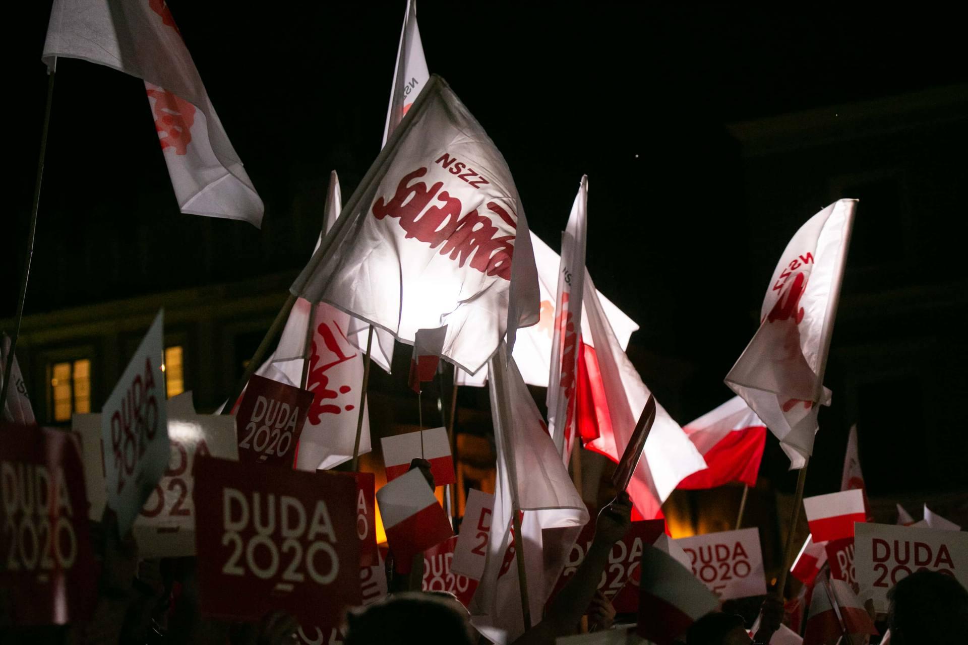 andrzej duda w zamosciu 33 Andrzej Duda prezydentem RP na drugą kadencję. PKW podała wyniki z prawie wszystkich komisji wyborczych.