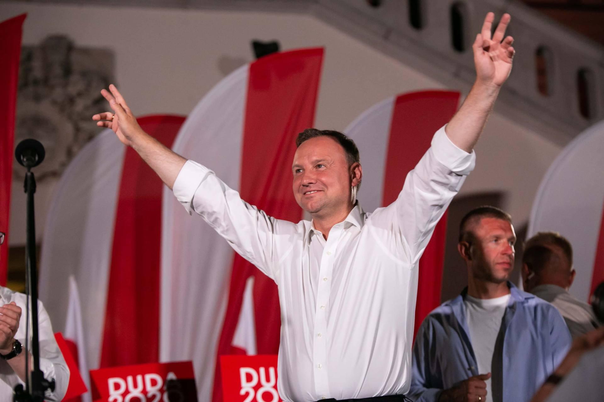 andrzej duda w zamosciu 36 Andrzej Duda prezydentem RP na drugą kadencję. PKW podała wyniki z prawie wszystkich komisji wyborczych.