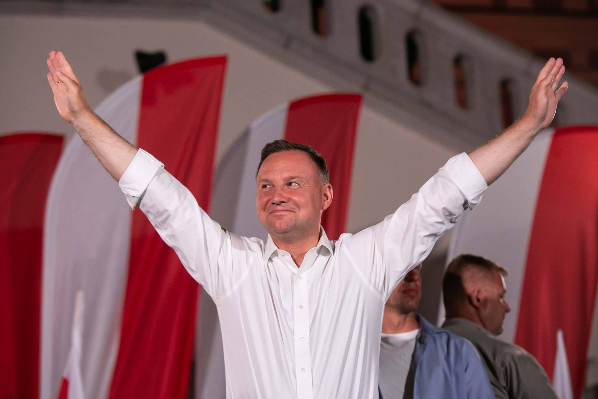 andrzej duda w zamosciu 38 Andrzej Duda prezydentem RP na drugą kadencję. PKW podała wyniki z prawie wszystkich komisji wyborczych.