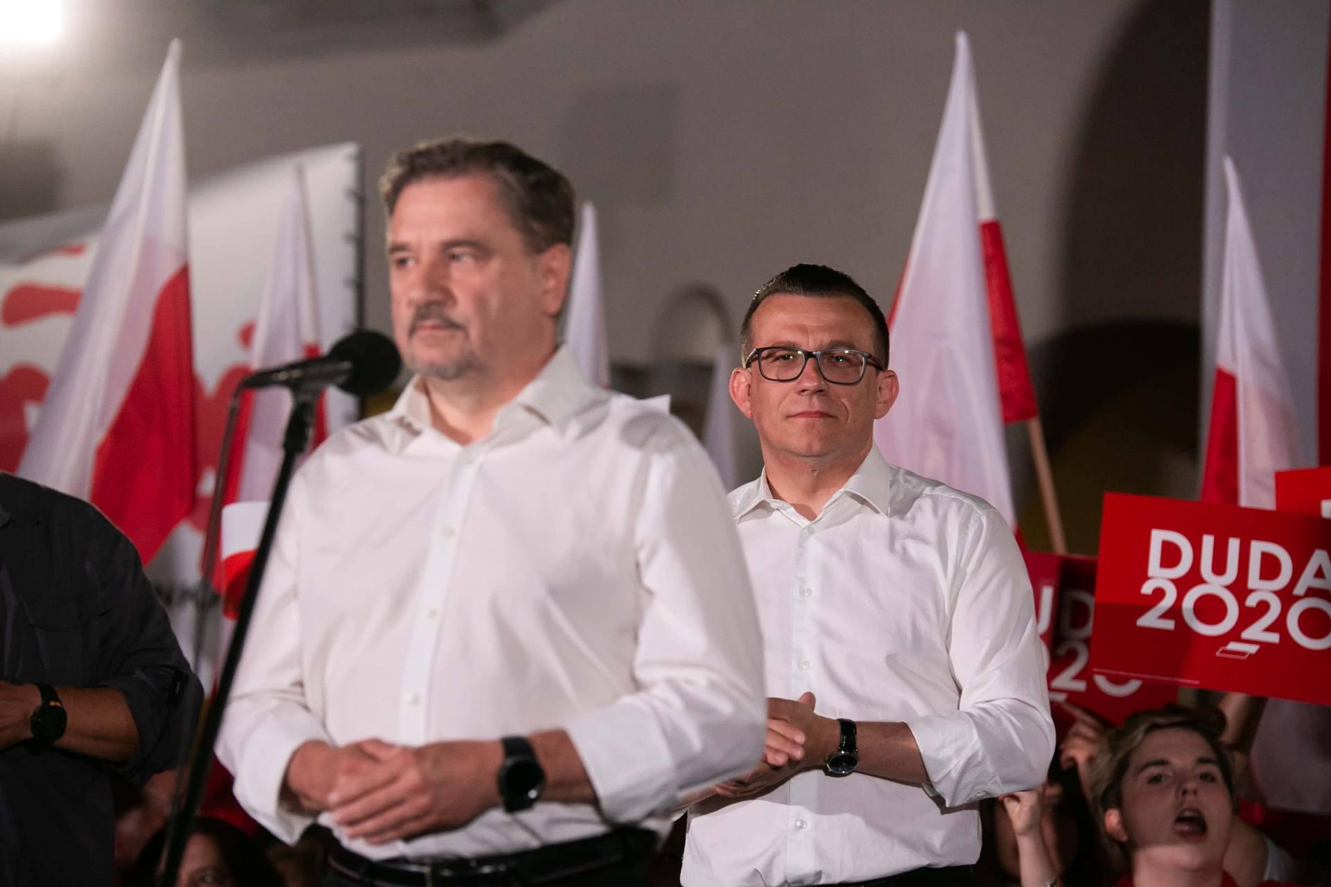andrzej duda w zamosciu 43 Andrzej Duda prezydentem RP na drugą kadencję. PKW podała wyniki z prawie wszystkich komisji wyborczych.