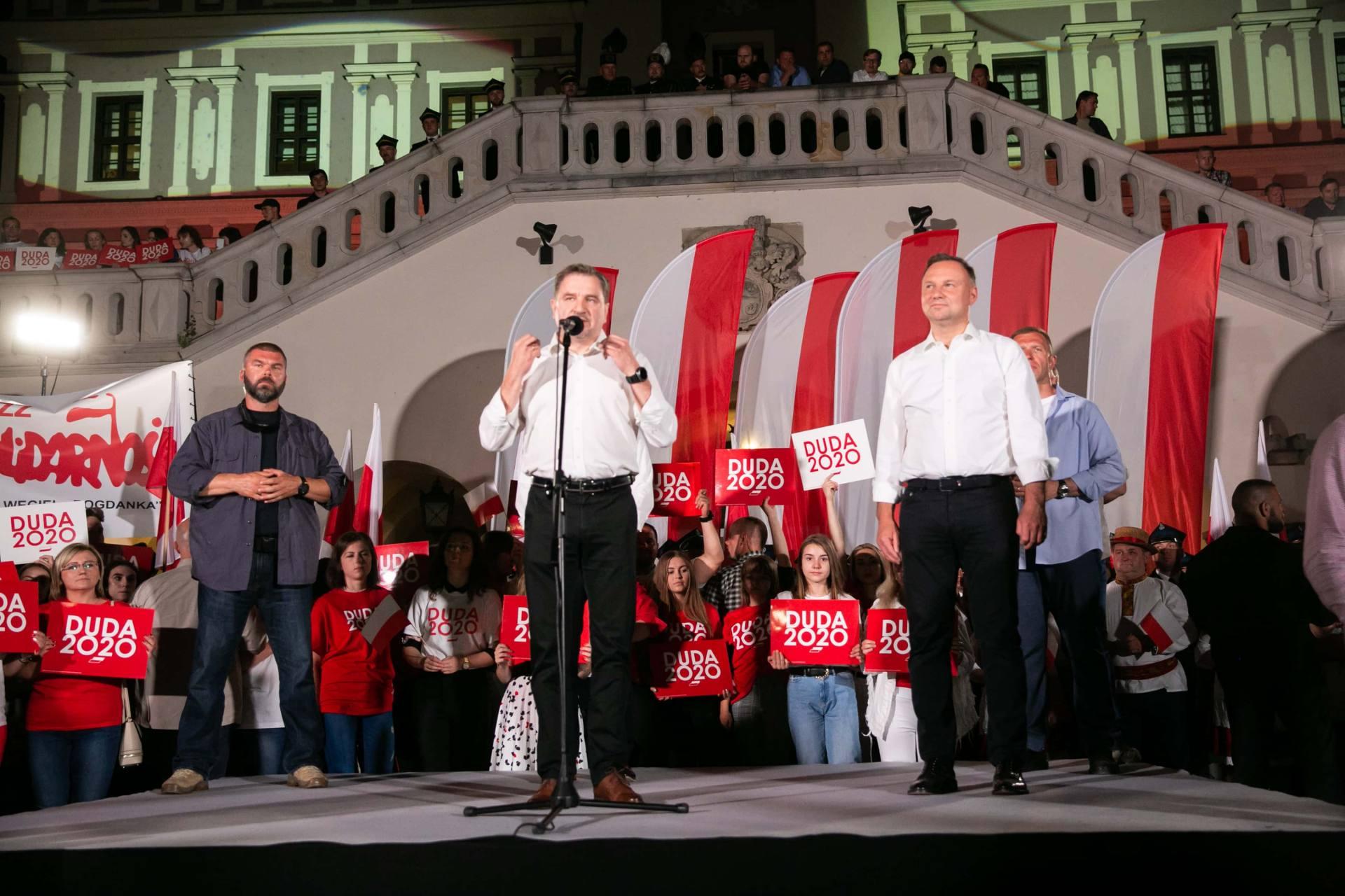 andrzej duda w zamosciu 50 Andrzej Duda prezydentem RP na drugą kadencję. PKW podała wyniki z prawie wszystkich komisji wyborczych.