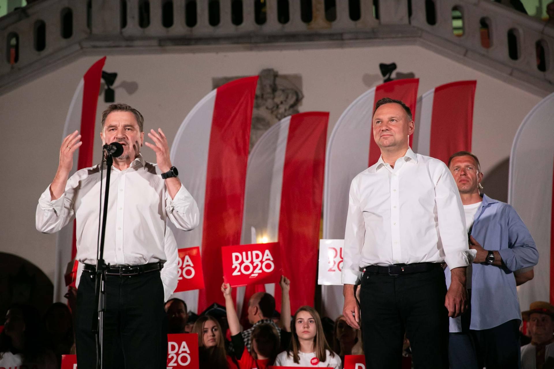 andrzej duda w zamosciu 54 Andrzej Duda prezydentem RP na drugą kadencję. PKW podała wyniki z prawie wszystkich komisji wyborczych.