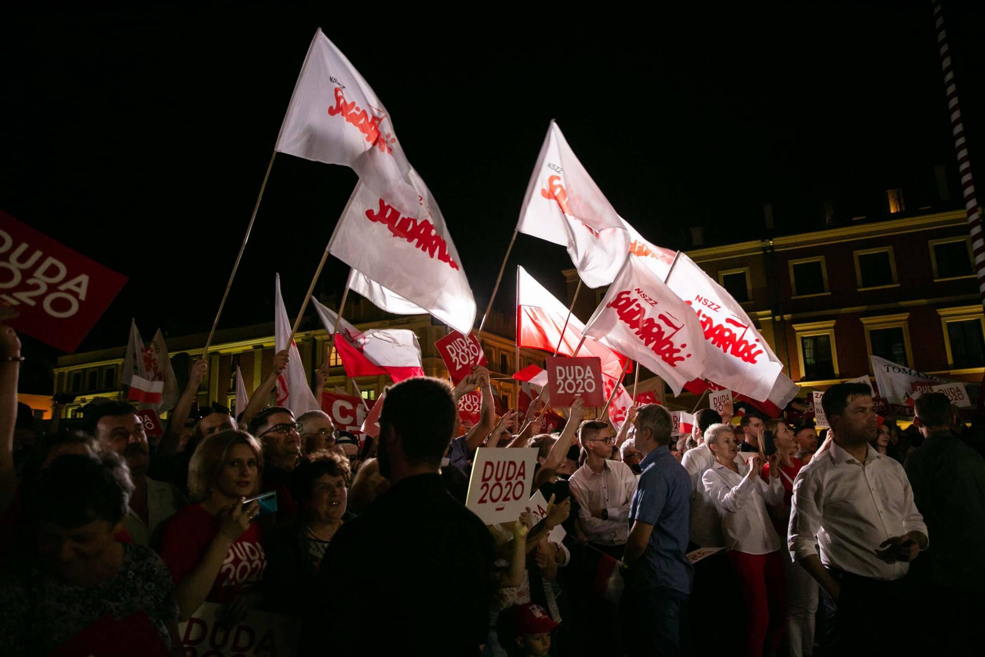andrzej duda w zamosciu 55 Andrzej Duda prezydentem RP na drugą kadencję. PKW podała wyniki z prawie wszystkich komisji wyborczych.