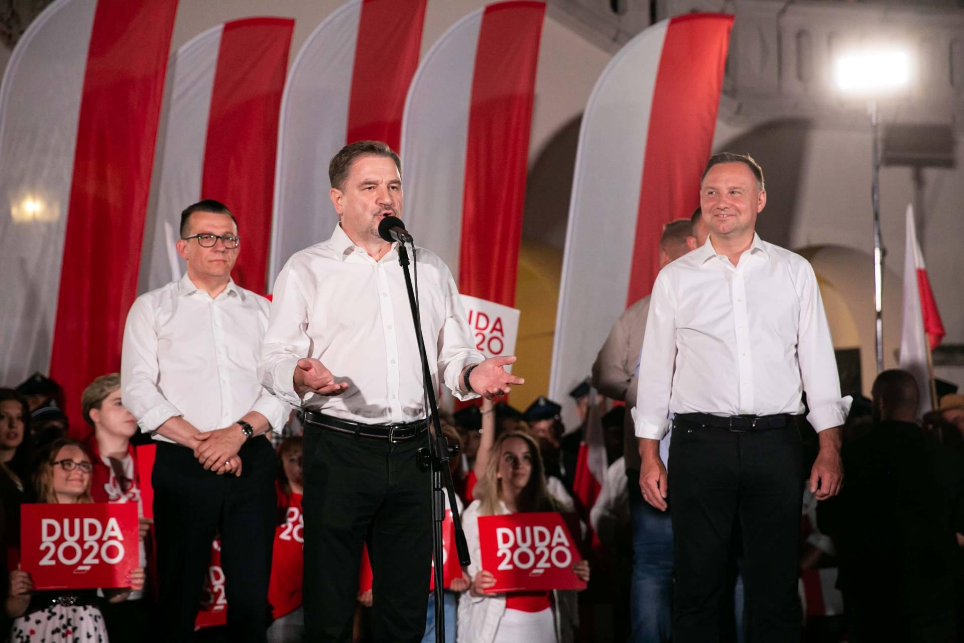 andrzej duda w zamosciu 58 Andrzej Duda prezydentem RP na drugą kadencję. PKW podała wyniki z prawie wszystkich komisji wyborczych.