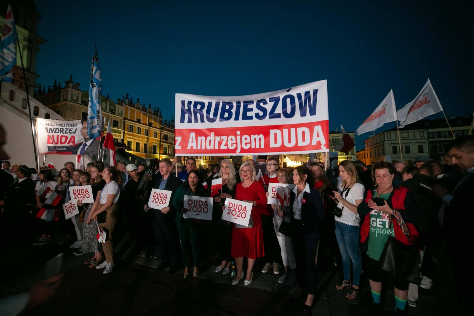 andrzej duda w zamosciu 6 Andrzej Duda prezydentem RP na drugą kadencję. PKW podała wyniki z prawie wszystkich komisji wyborczych.