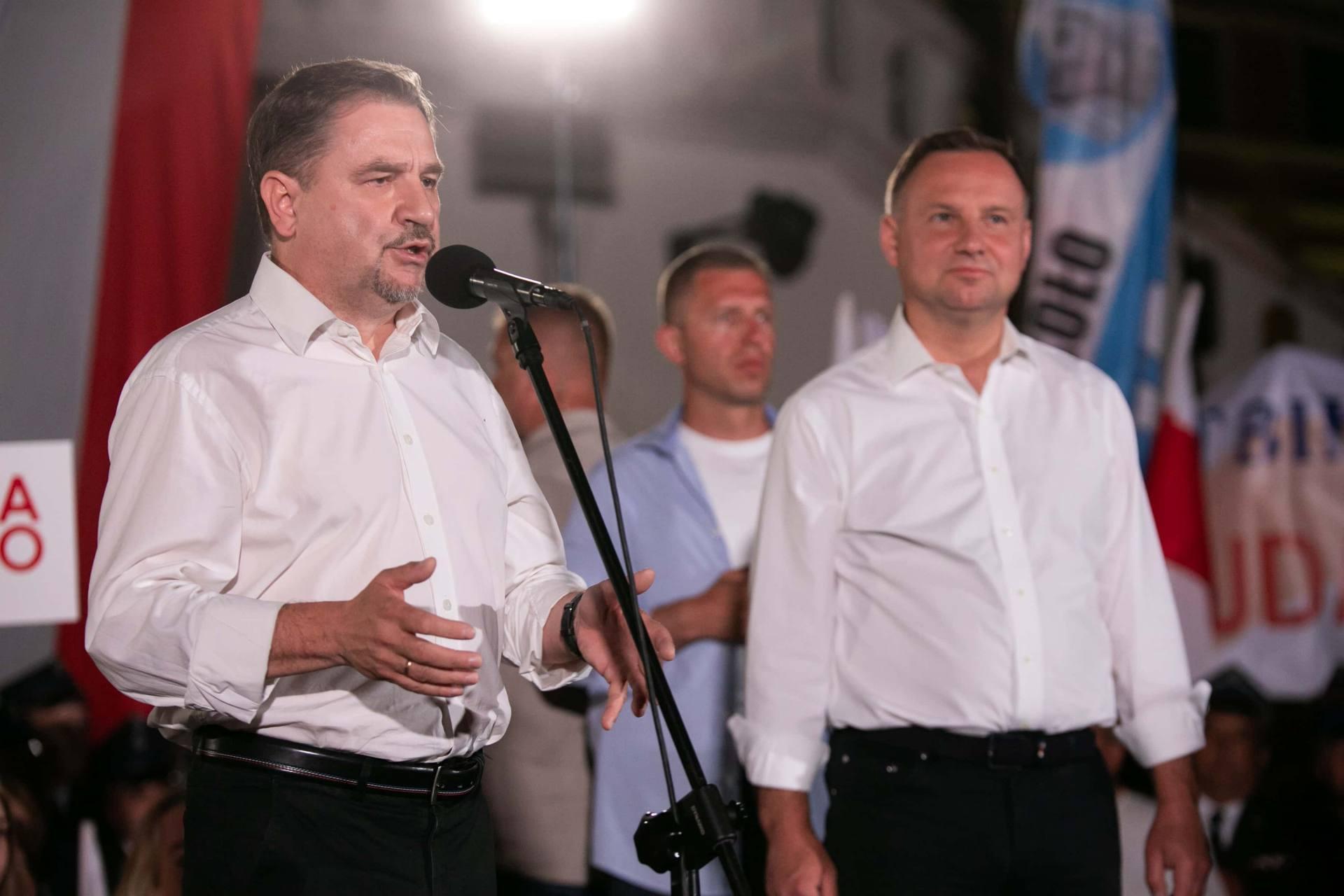 andrzej duda w zamosciu 61 Andrzej Duda prezydentem RP na drugą kadencję. PKW podała wyniki z prawie wszystkich komisji wyborczych.
