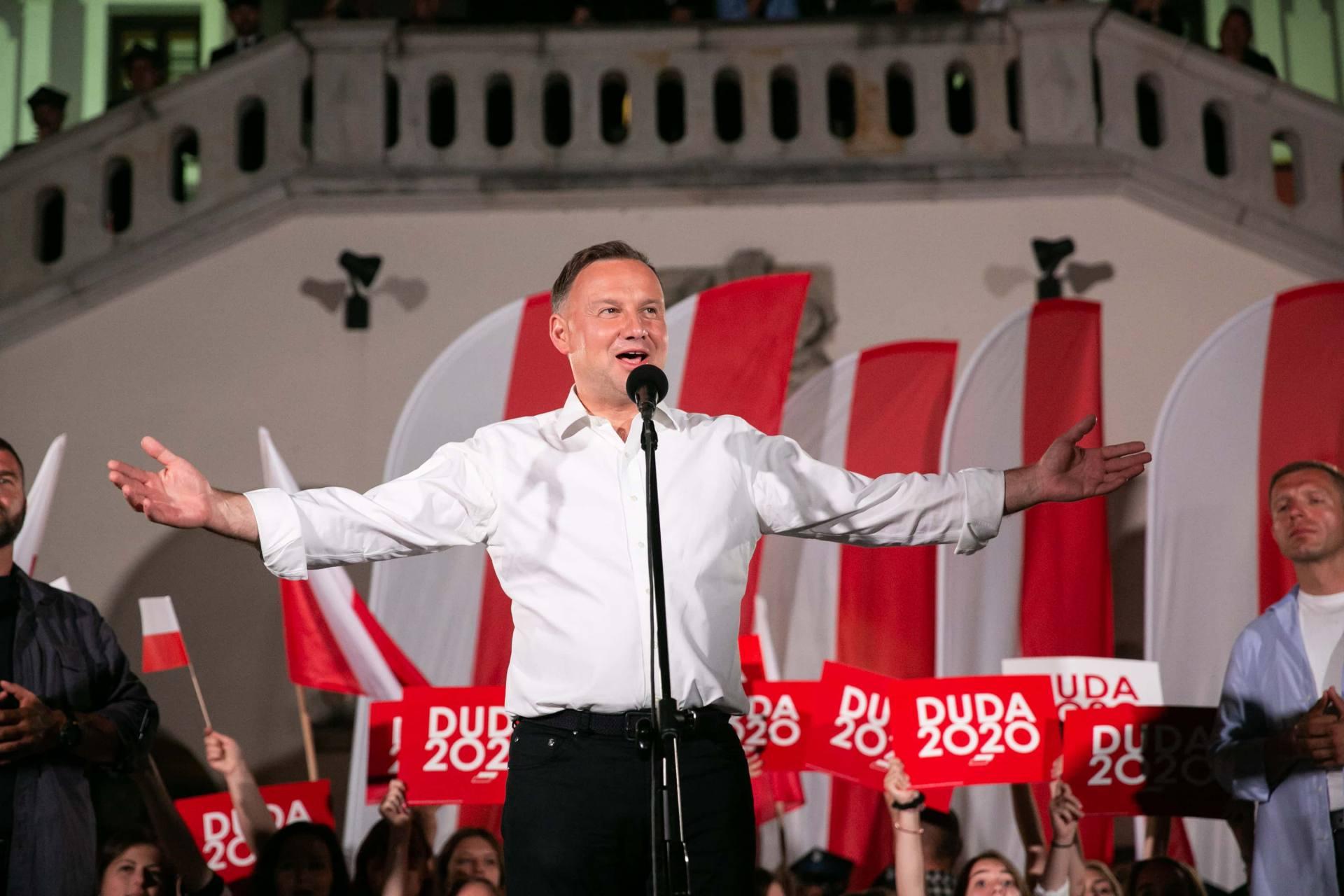 andrzej duda w zamosciu 68 Andrzej Duda prezydentem RP na drugą kadencję. PKW podała wyniki z prawie wszystkich komisji wyborczych.