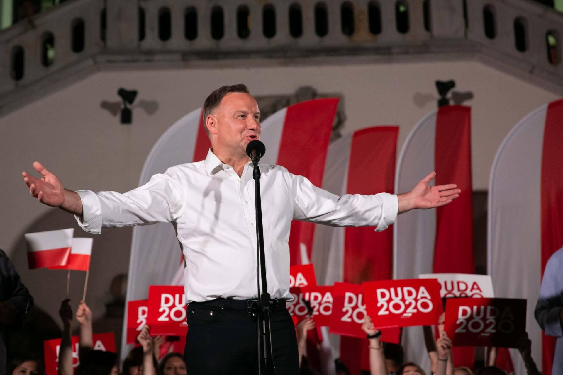 andrzej duda w zamosciu 69 Andrzej Duda prezydentem RP na drugą kadencję. PKW podała wyniki z prawie wszystkich komisji wyborczych.