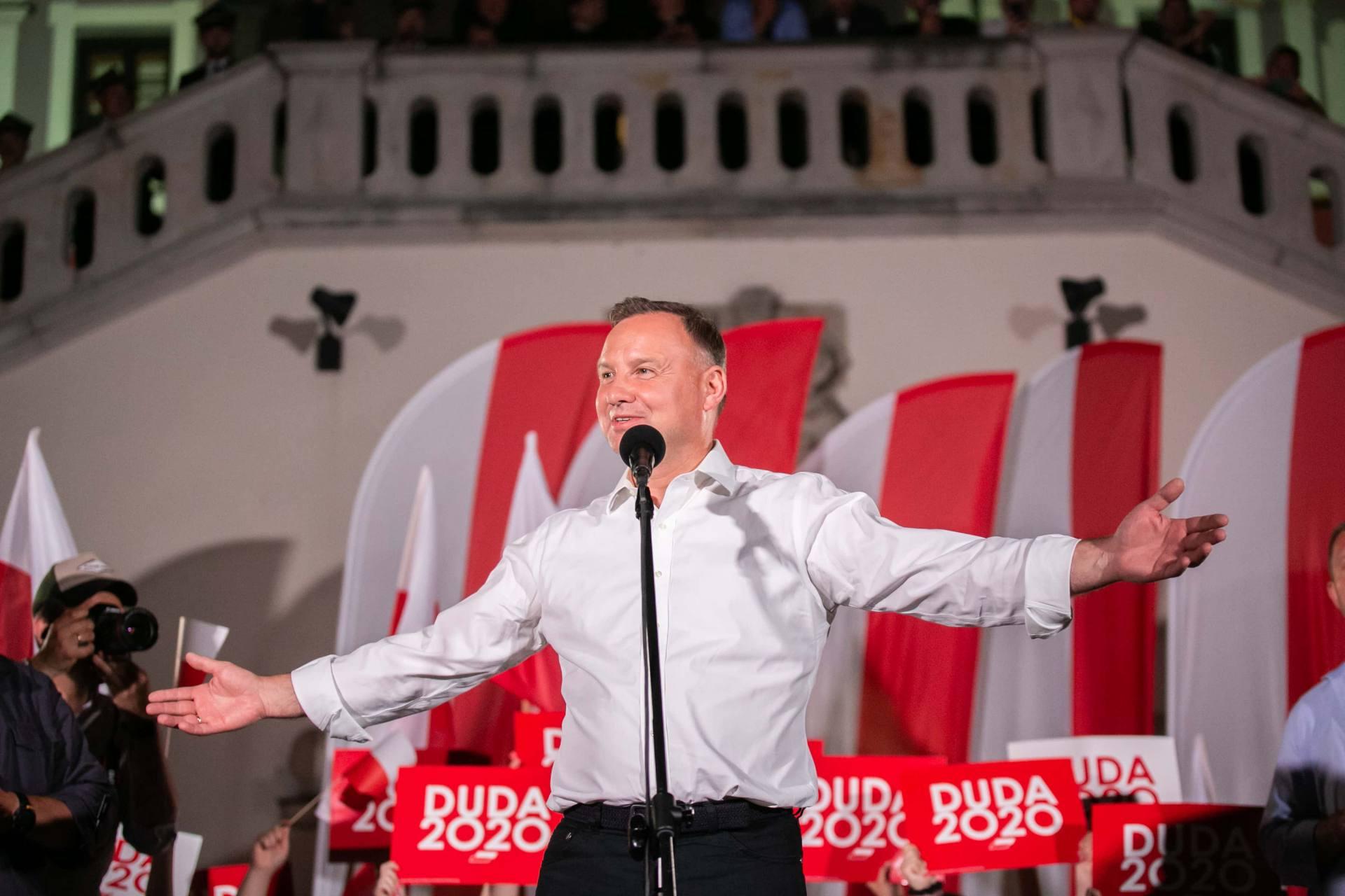 andrzej duda w zamosciu 70 Andrzej Duda prezydentem RP na drugą kadencję. PKW podała wyniki z prawie wszystkich komisji wyborczych.