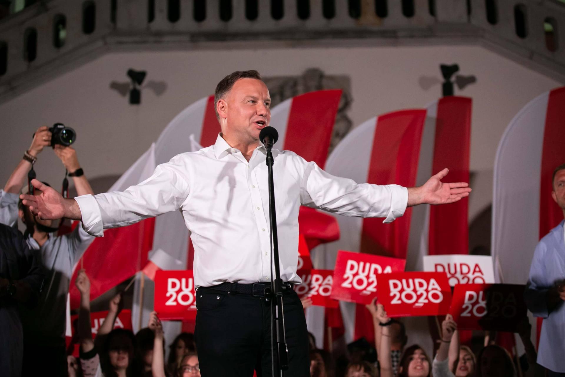 andrzej duda w zamosciu 71 Andrzej Duda prezydentem RP na drugą kadencję. PKW podała wyniki z prawie wszystkich komisji wyborczych.