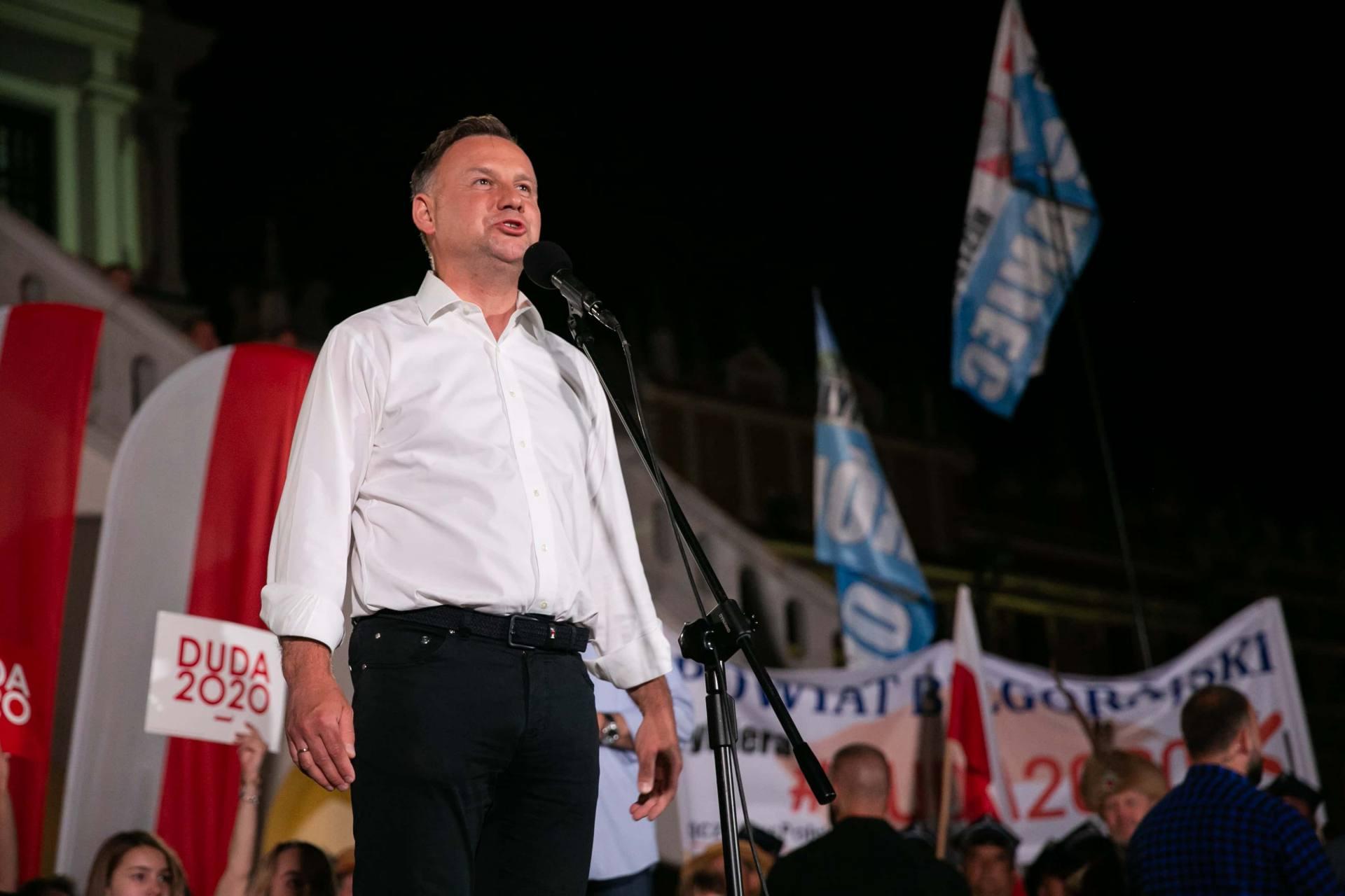 andrzej duda w zamosciu 79 Andrzej Duda prezydentem RP na drugą kadencję. PKW podała wyniki z prawie wszystkich komisji wyborczych.