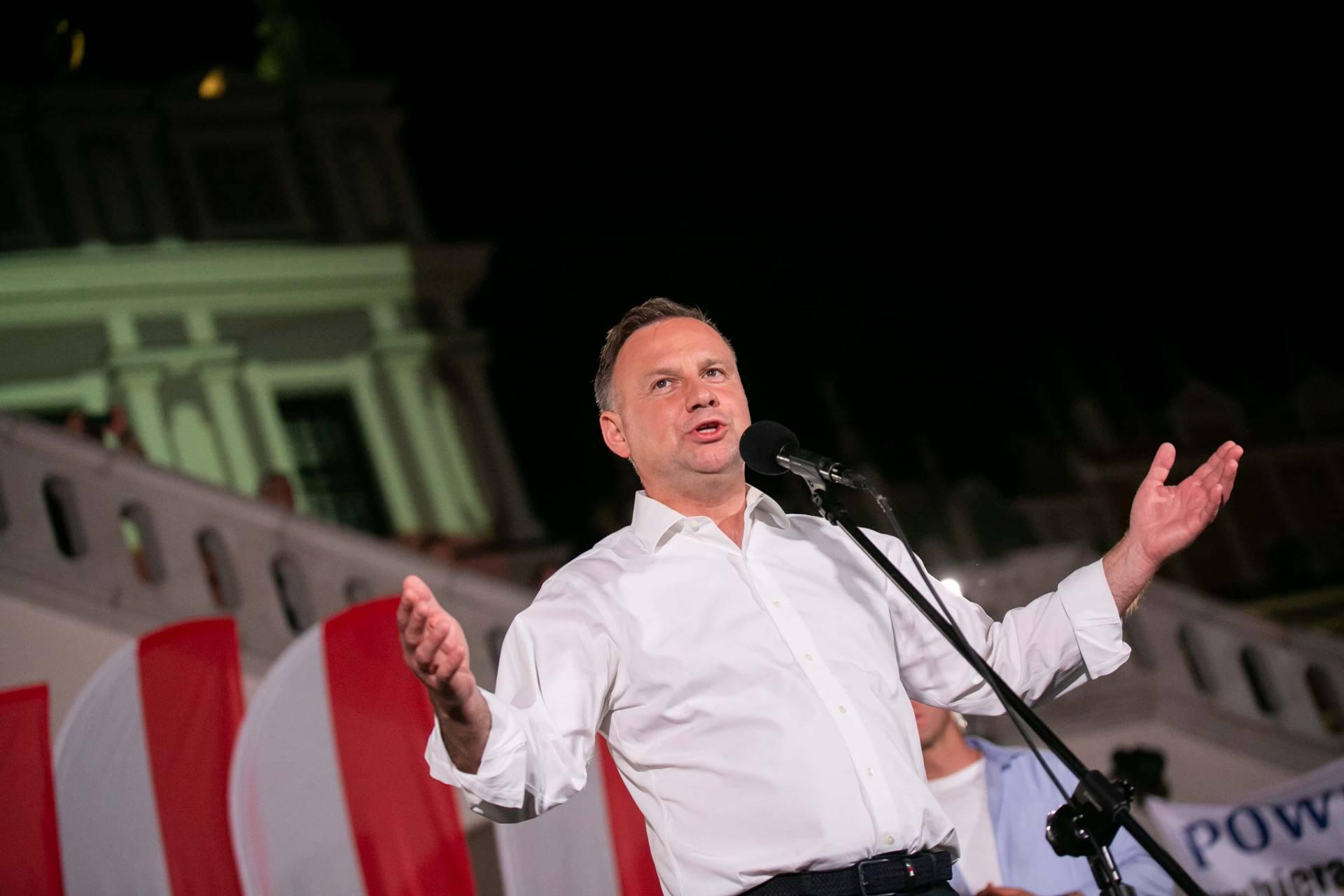 andrzej duda w zamosciu 81 Andrzej Duda prezydentem RP na drugą kadencję. PKW podała wyniki z prawie wszystkich komisji wyborczych.