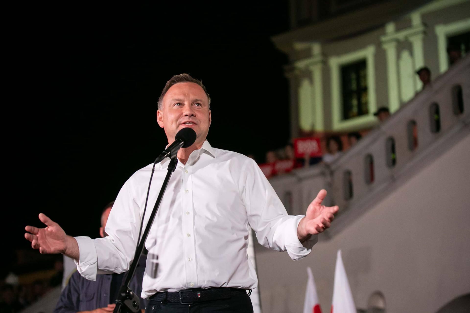 andrzej duda w zamosciu 84 Andrzej Duda prezydentem RP na drugą kadencję. PKW podała wyniki z prawie wszystkich komisji wyborczych.