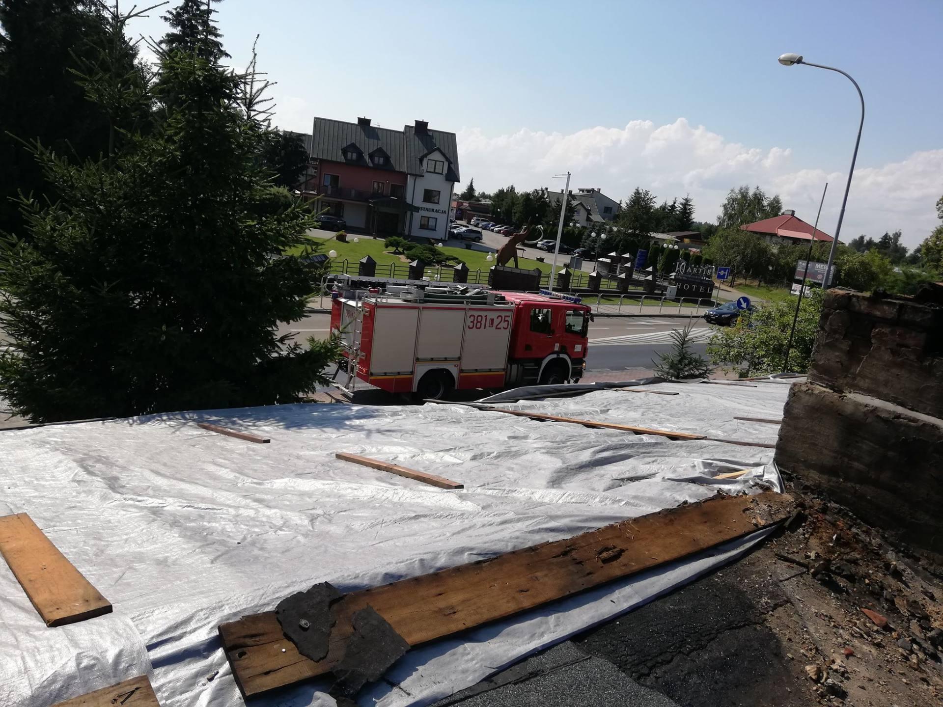 burza 4 Zerwane dachy, połamane drzewa, uszkodzone samochody. Straty po burzy, która przeszła nad Zamojszczyzną