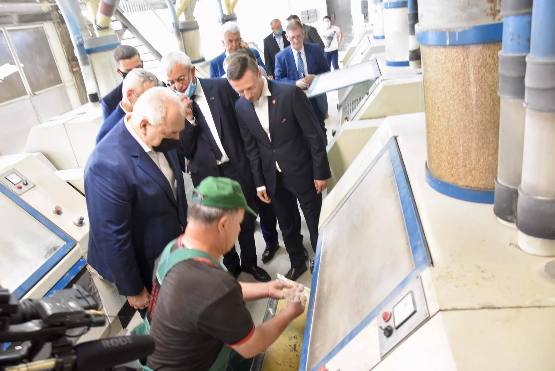 dsc 8025 Wicepremier Jacek Sasin zapowiedział modernizację Zamojskich Zakładów Zbożowych