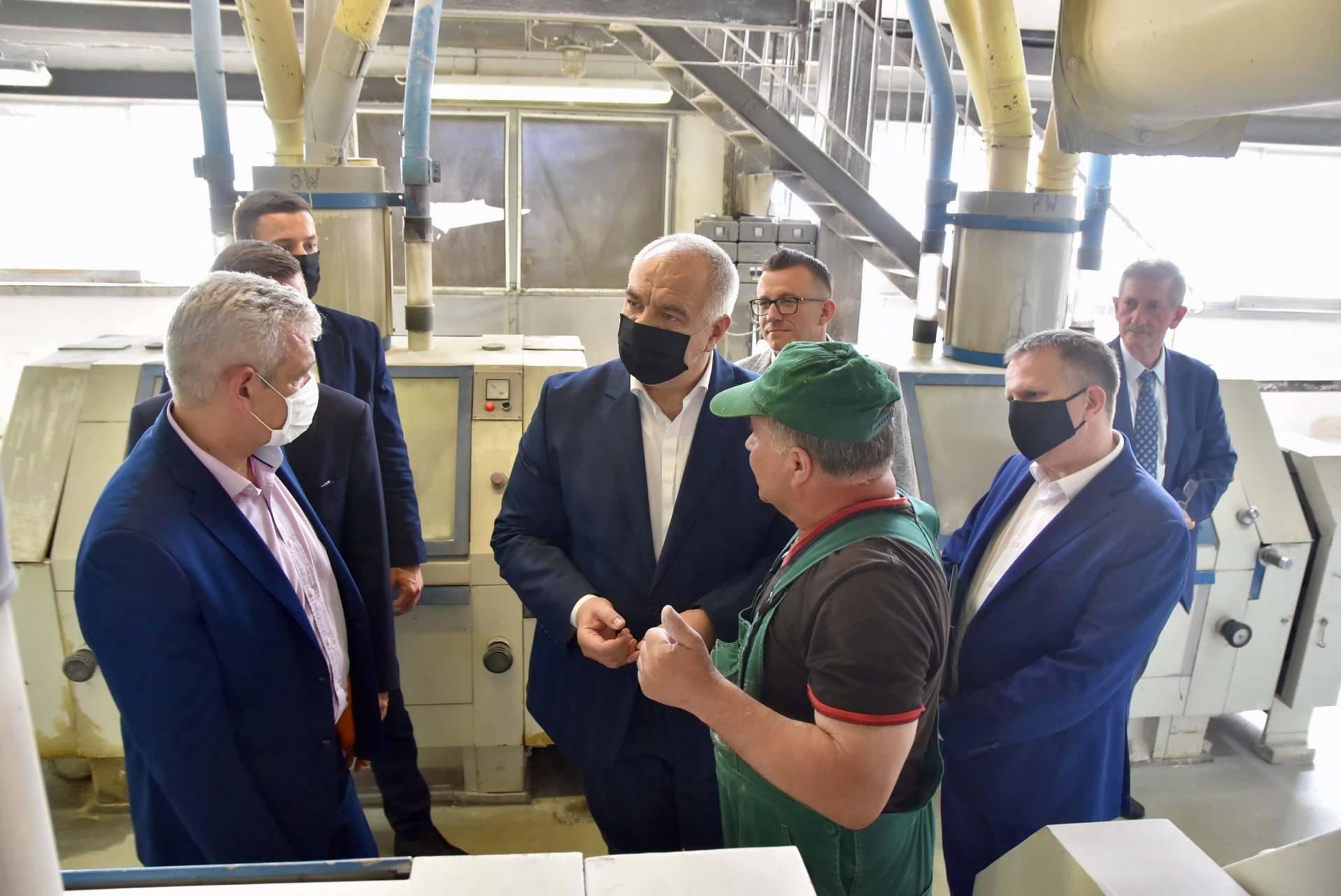 dsc 8059 Wicepremier Jacek Sasin zapowiedział modernizację Zamojskich Zakładów Zbożowych