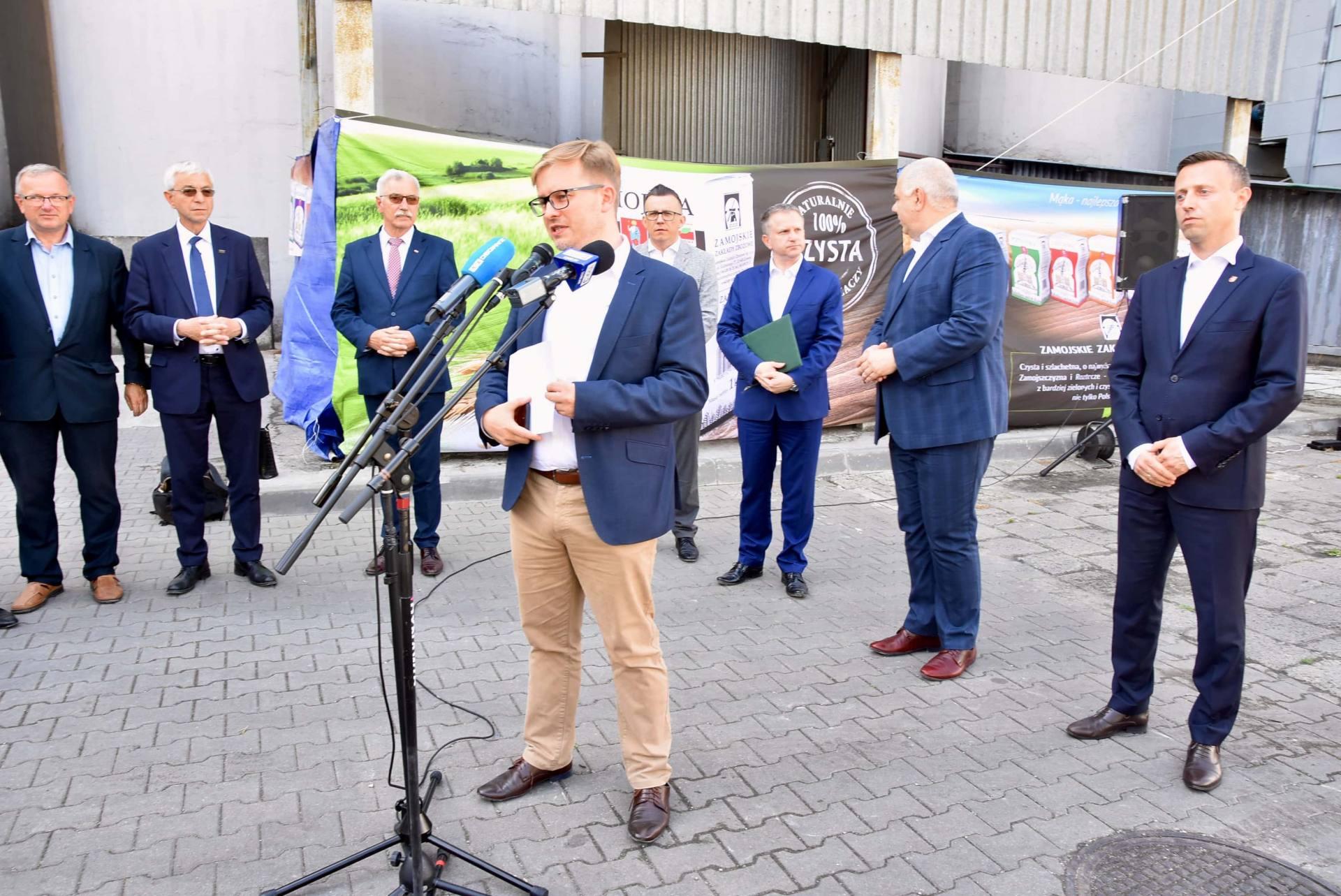 dsc 8072 Wicepremier Jacek Sasin zapowiedział modernizację Zamojskich Zakładów Zbożowych