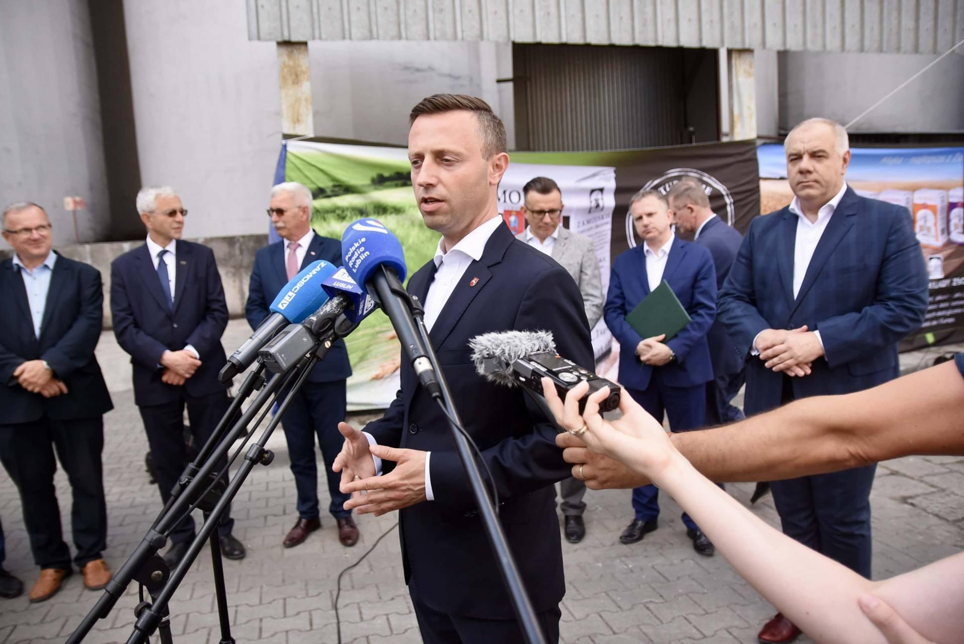 dsc 8092 Wicepremier Jacek Sasin zapowiedział modernizację Zamojskich Zakładów Zbożowych