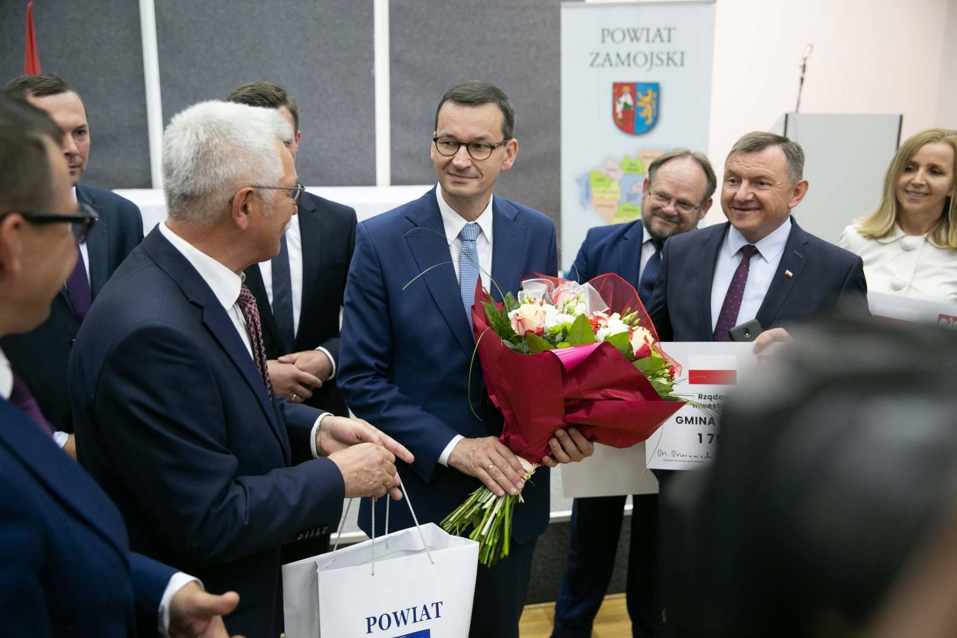 premier morawiecki w zamosciu 36 Premier Mateusz Morawiecki spotkał się z samorządowcami z Zamojszczyzny [ZDJĘCIA]