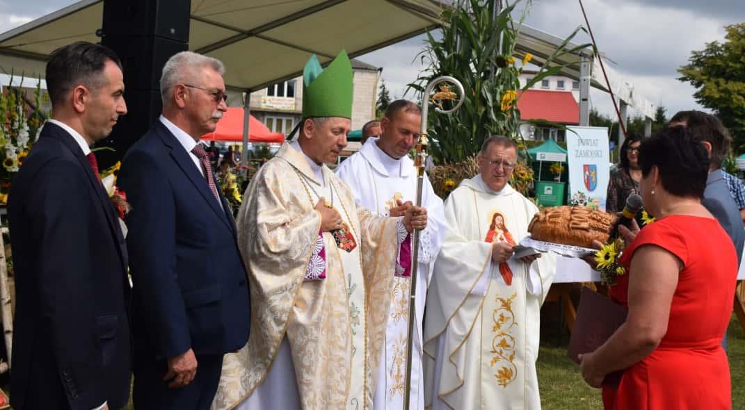 1 1 23 sierpnia odbyły się Dożynki Powiatowo-Gminne w Łabuniach. Publikujemy zdjęcia