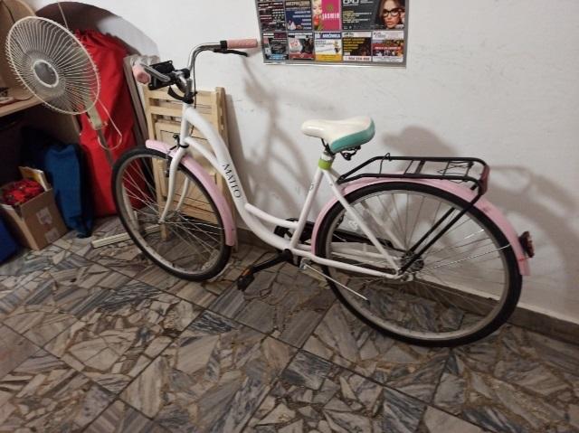 334b Czyj to rower? Leżał w krzakach w zamojskim parku
