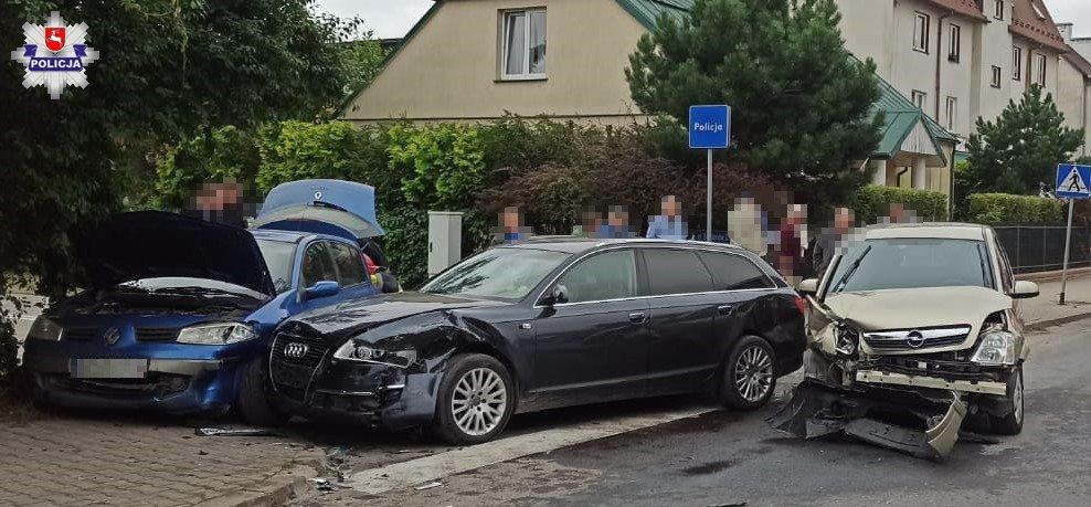 68 173797 Zderzenie 3 aut, dwie osoby w szpitalu