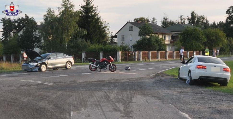 68 173840 21 - letni kierowca BMW uderzył w motocykl. Kierowca i pasażerka jednośladu są ranni