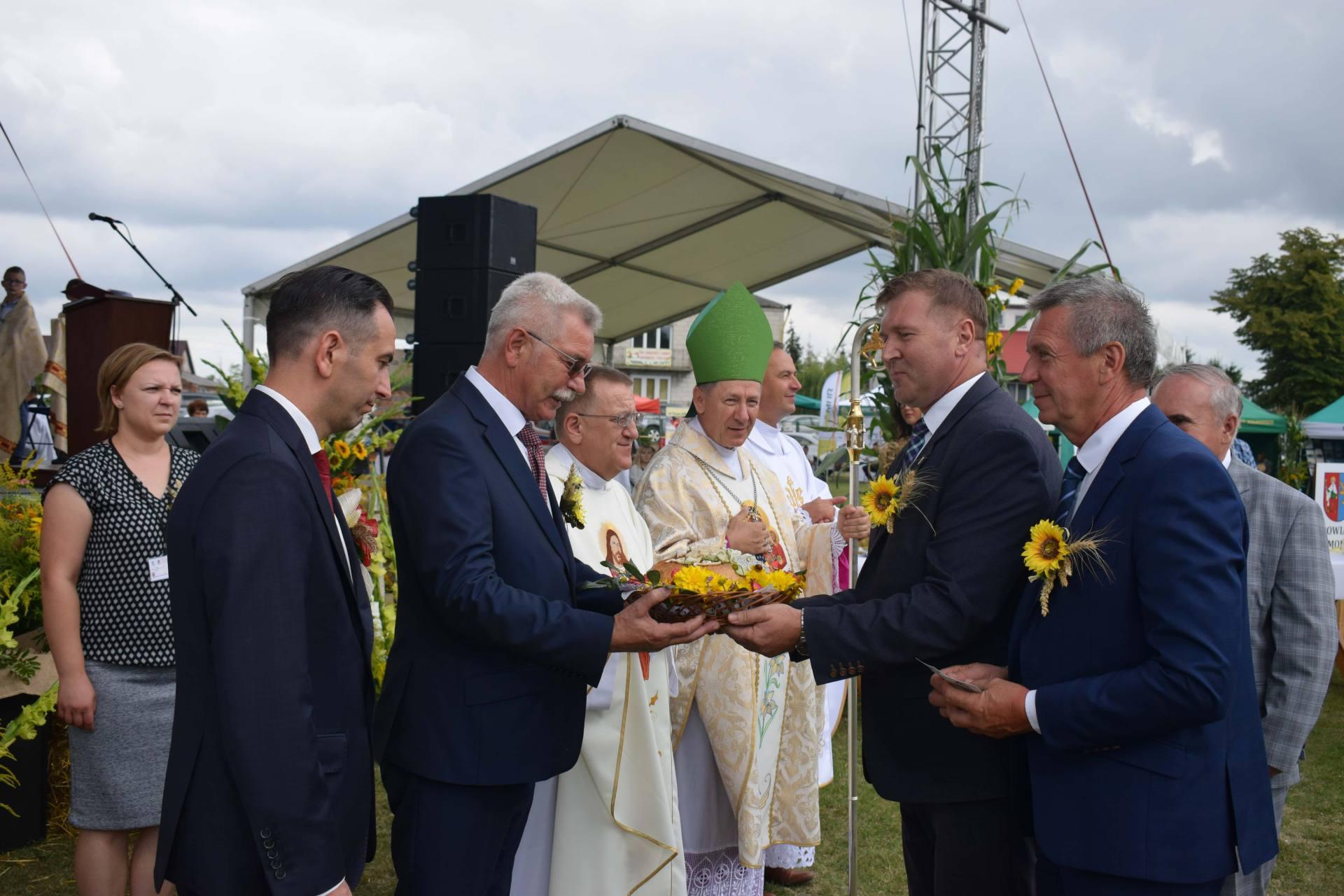 dsc 0168 23 sierpnia odbyły się Dożynki Powiatowo-Gminne w Łabuniach. Publikujemy zdjęcia