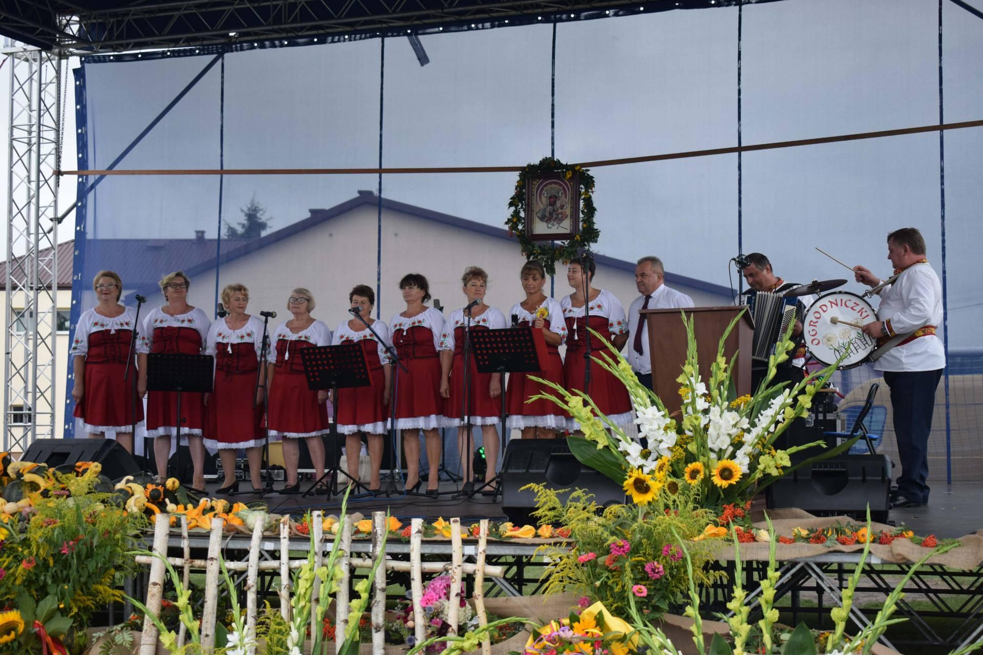 dsc 0392 1 23 sierpnia odbyły się Dożynki Powiatowo-Gminne w Łabuniach. Publikujemy zdjęcia