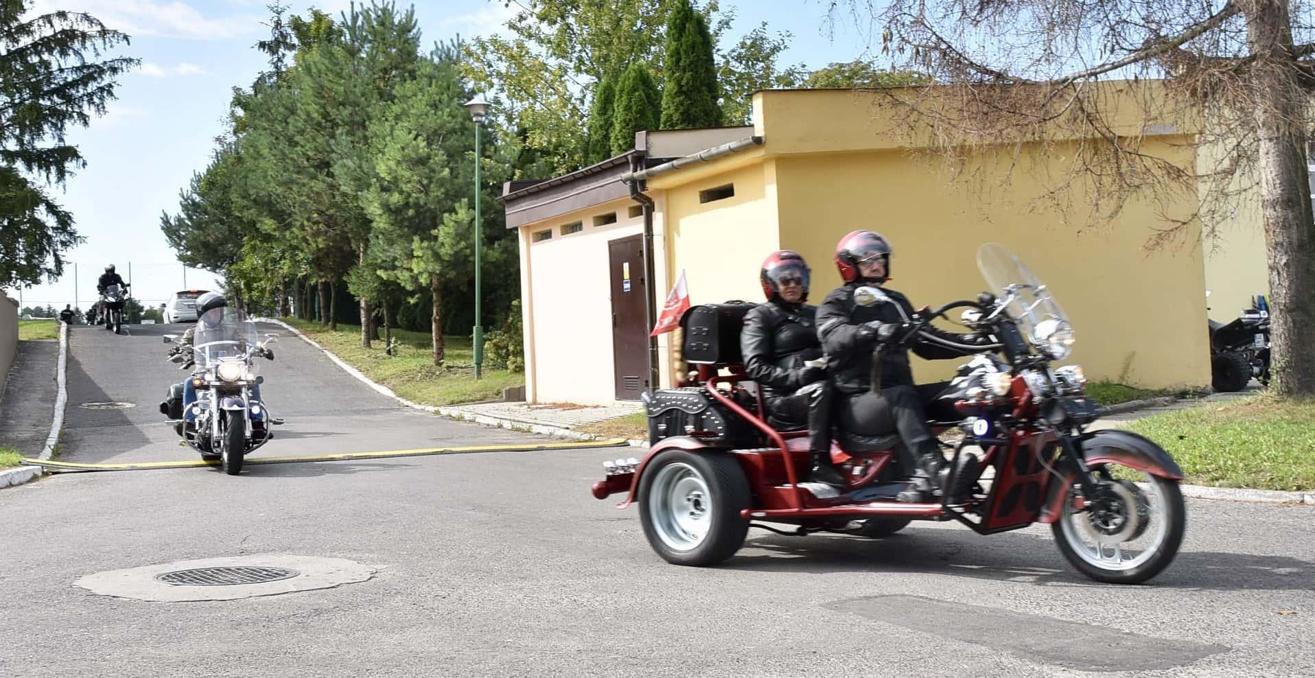 dsc 0421 Trwa impreza motoryzacyjna