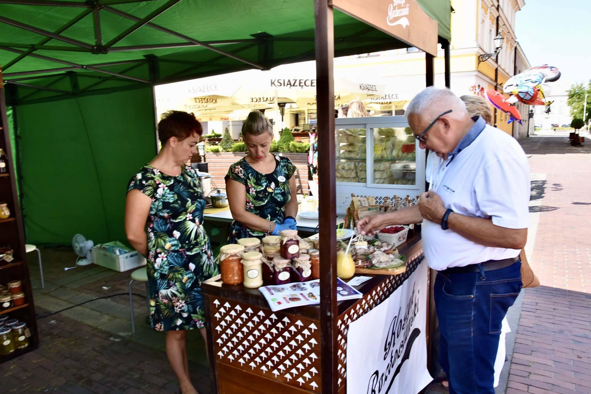 dsc 0452 Żywność prosto od rolnika na Rynku Wielkim w Zamościu. Zobacz zdjęcia i film