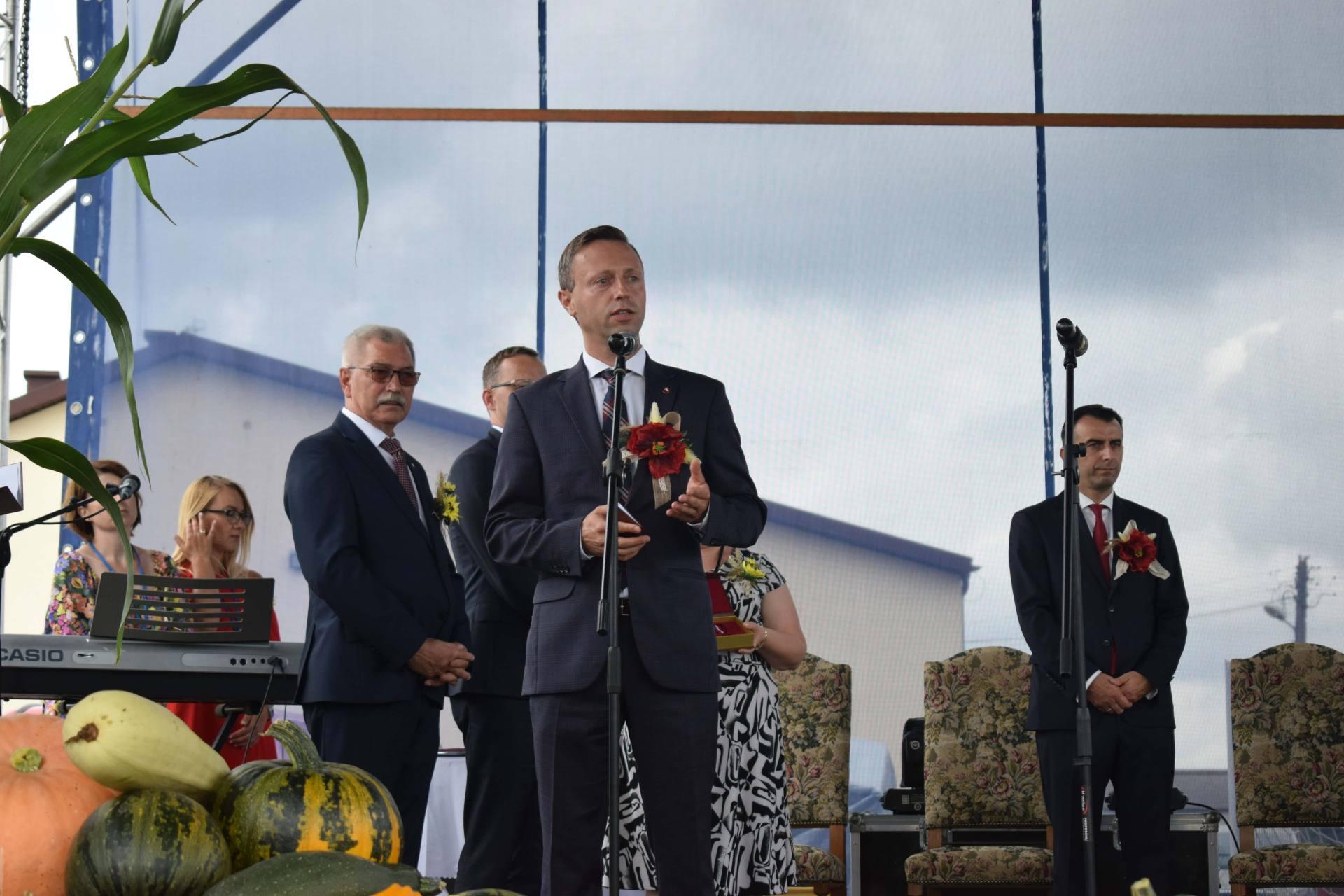 dsc 1002 23 sierpnia odbyły się Dożynki Powiatowo-Gminne w Łabuniach. Publikujemy zdjęcia