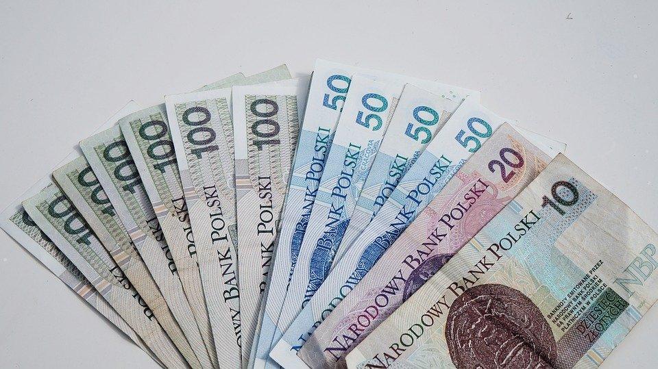 money 1386331 960 720 Korzystne przeliczenie emerytur dla rocznika 1953